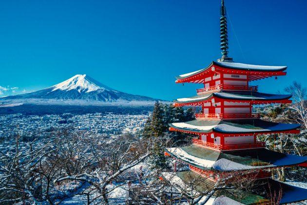 Monte Fuji - Vista dalla Pagoda Chureito nel santuario Arakura Sengen Jinja