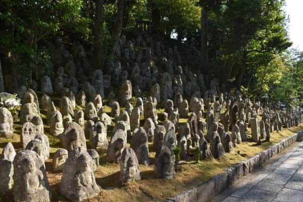Statuette protettori dei bambini e dei viaggiatori