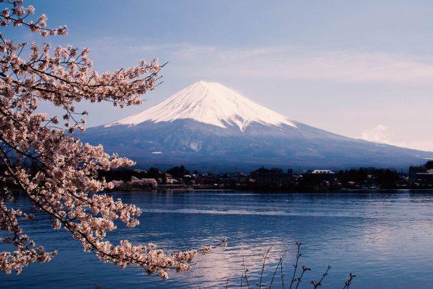 Monte Fuji - Vista dal lago Kawaguchi