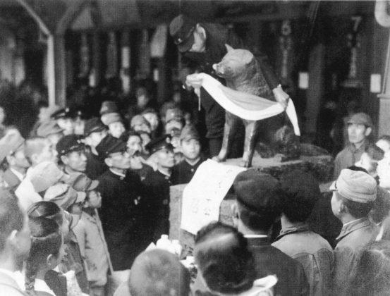 Prima statua di Hachiko del 1934