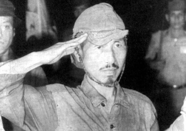 Hiroo Onoda il giorno della resa nel 1974